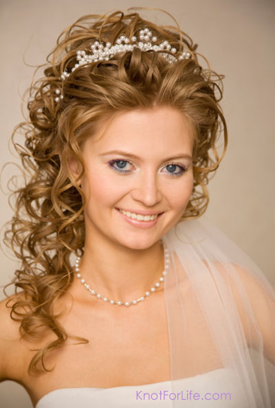 Bridal Hairstyle With Veil And Headpiece Curls Pearls