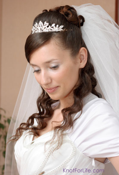 Half Up Down Wedding Hairstyles With Tiara And Veil - HairStyles