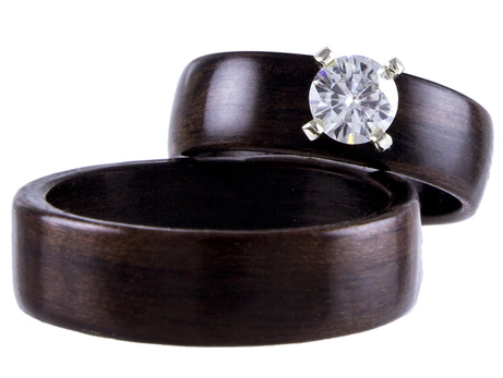 Ebony engagement ring set for a woodland wedding
