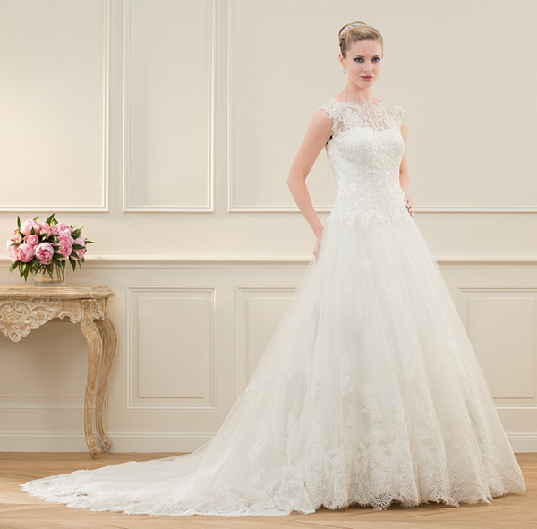 Princess wedding dresses - Pronuptia 'zanzibar' wedding dress
