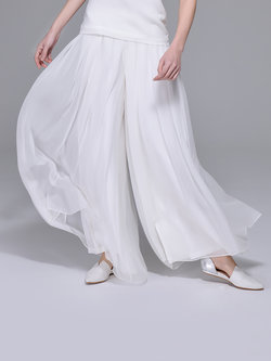 Wear Your White Culottes With Style For Any Wedding