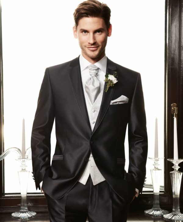 Essential Guide For Buying A Wedding Suit